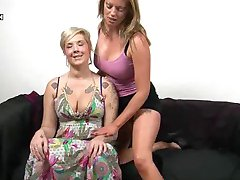 British Lesbianas Holly y Mandy Coño Fisting