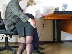 Cámara oculta filmó un humilde secretario