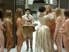 Mye av nakne jenter