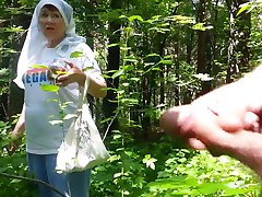buena abuela en el bosque