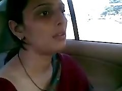 desi aunty fucking with her boyfriend in car bj joy