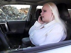 замкнутый в машине