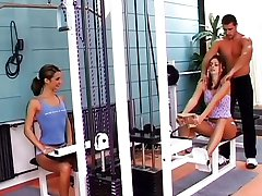I treningsstudio med Janet Peron og Lucy Lee