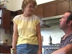 Extremely hot and ugly mom and her bf kitchenfuck