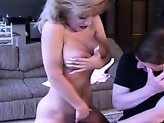 gigantul tit mami plimbari ssybian marx din 1fuckdatecom