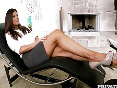 India Summer goes to the MILF Therapist