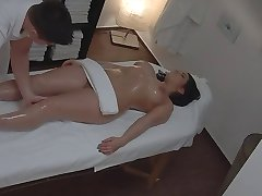curvy woman massage voyeur (staged)