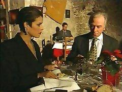 Elegante italiaanse Volwassen vreemdgaan echtgenoot op restaurant