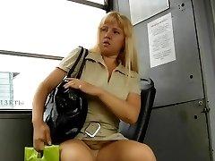 מתחת לחצאית UPSKIRTS 126