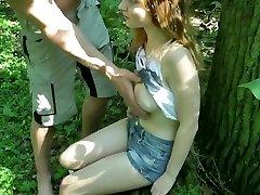Adolescent im Wald gefickt