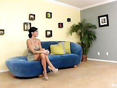 Stunning brunette Veronica Avluv shows her man she can squirt