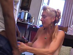 Granny gets creampied by young BBC