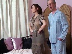 Mamá spanks Hija y Padre