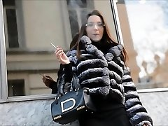Smoking lady in Fur