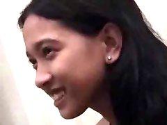 Mladých Asijských Panny Ztrácí To Všechno Na Videu S Velký Připojenými Opčními Výstřel