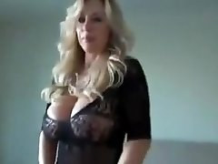 Milf with natural bra-stuffers getting ravaged