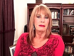 Jaw-dropping mature blond Rae Hart in office