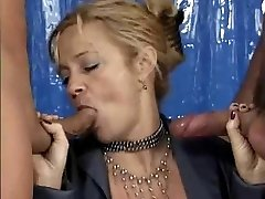 2 guys to sate this German Squirting Mature
