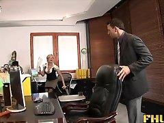 Fhuta - Chytil s prstem v kočička, v prdeli šéf