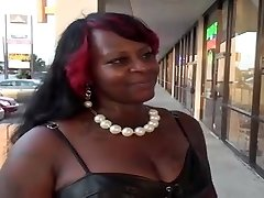 Ample keister ebony BBW gets ravaged on the bed
