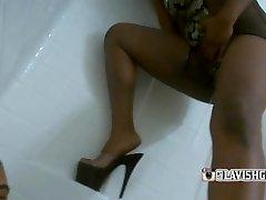 Lavishgoddess golden shower