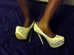 warm ebony toes and plats