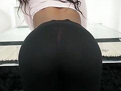 TeenyBlack-热乌木的女朋友搞在学习