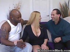 一个黑家伙做一个好妻子快乐