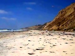 黑海滩CFNM-2穿着衣服的女孩+26赤裸裸的男人