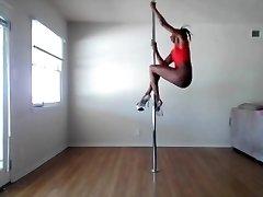 Rasta Nymph Sexy Pole Dance - Ameman