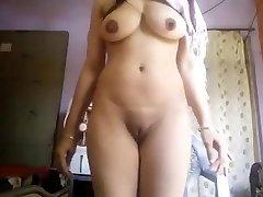Super Molten Big Boobs Desi Girl Nude Selfie