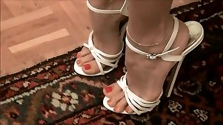 Very sexy milky high heels --- Sexys tacones blancos