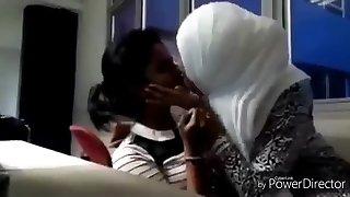 hijab smooch