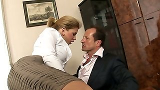 Promiscuous secretary with big mounds Brooklyn Lee hooks up with her boss