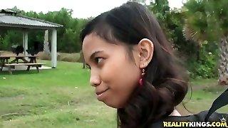Uber-cute Indian girl Amanda Putri picked up in the street got cash for fuck-fest