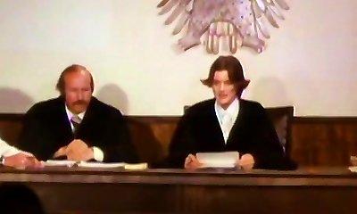 geslachtsgemeenschap - rechter sondes feiten van de zaak in de rechtszaal