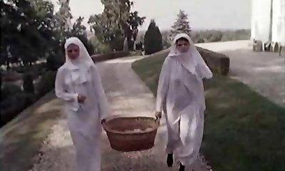 שני שעירים נזירות ..בציר