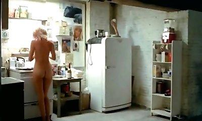 אביגיל קלייטון ביי ביי קוף מלא סצנות 1981