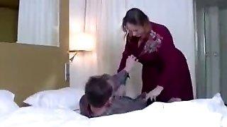 Versaute stepMom vernascht NOT her son-in-law