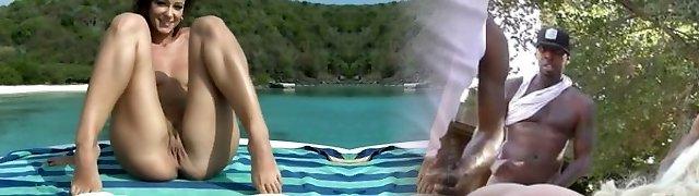 Super-hot Tropical Sea -  Melisa Mendiny