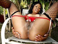 Now here's a sexy black ass you don't want to miss - and she