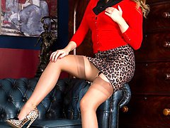 Penny loves the highest stilettos, and especially these leopard print ones!  She looks so hot!