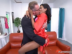 White Dad Fucks His Teen Ebony Step Daughter On His Wedding
