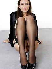 Rocking mature wearing nylons