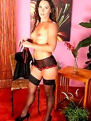 Gorgeous MILF Carmen peels off her sexy lingerie.