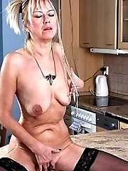 Kinky mature housewife masturbating