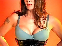 Mistress Jane slips into a monster strapon before showing you how good she looks in it.