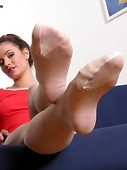 hot babe showing sexy feet in stockings