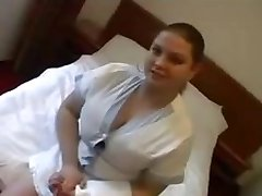 Sexy BBW maid gets a nice tip