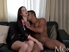 MOM Evelyn Lopez Wants To Feel Hot cum on her